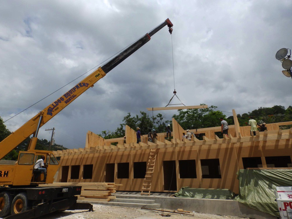 entreprise de construction luxembourgeoise table basse relevable